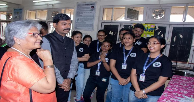 Students explaining the different themes at Appetisers – 2020, to the Chief Guest Chef. Mrs. Bimba Nayak